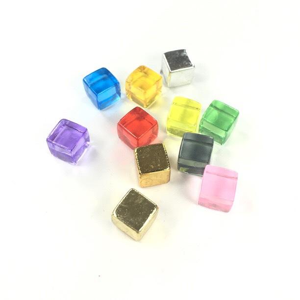 Plastic Cubes (8mm)